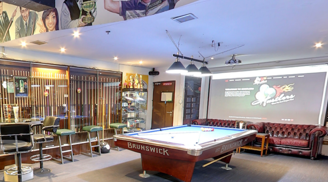 hustlersbangkok.com sports bar and pool venue