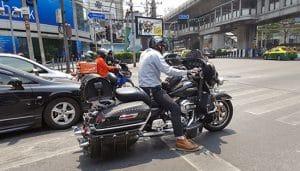 hustlersbangkok.com bangkok-traffic-motorbike