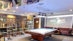 hustlersbangkok.com sports bar and pool venue